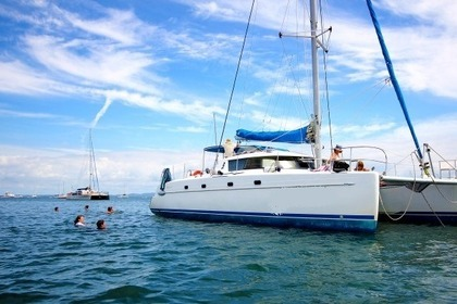 Charter Catamaran Fountaine Pajot Belize 43 Brisbane