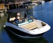 Charter Motorboat Sea Ray Sdx 250 Aventura