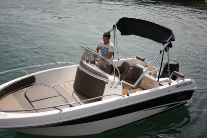 Hire Motorboat Saver 580 Open Setubal