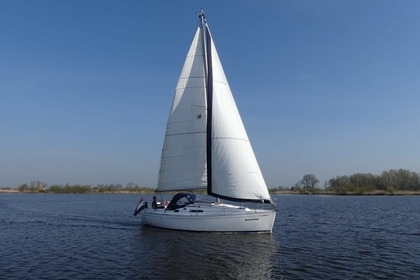 Hire Sailboat Dufour 30 Classic Sneek