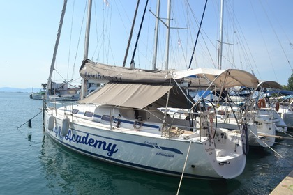 Hire Sailboat BAVARIA Bavaria 35 Match Keramoti