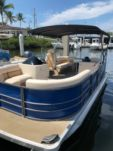 Motorboat Lexington 22Ft