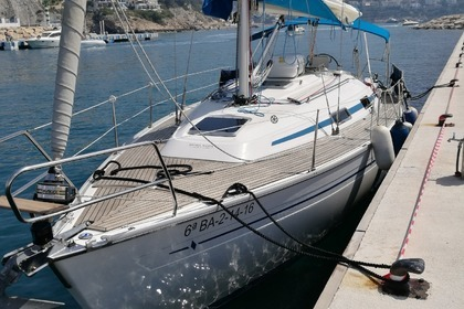 Hire Sailboat BAVARIA 37 Altea