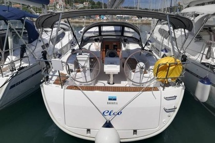 Hire Sailboat BAVARIA CRUISER 34 Pula