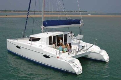 Rental Catamaran Fountaine Pajot Mahe 36 Barcelona