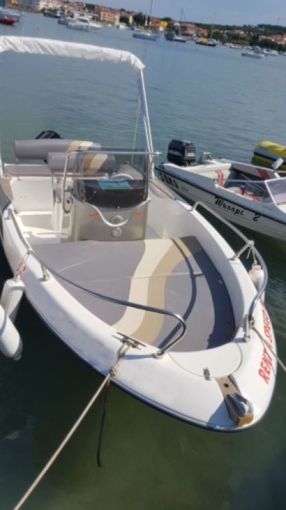 Charter Motorboat Fisher 17 Medulin