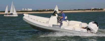 Location Semi-rigide Wimbi Boats W6 Grimaud