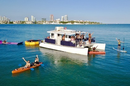 Rental Catamaran Custom Catamaran 40' Miami Beach