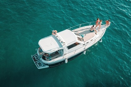Hire Motorboat Pula  4-hour private tour Sas Vektor Pula