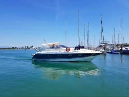 Charter Motorboat Fairline 11M Le Havre