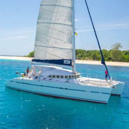 Rental Catamaran Lagoon 570 Saint Julian's