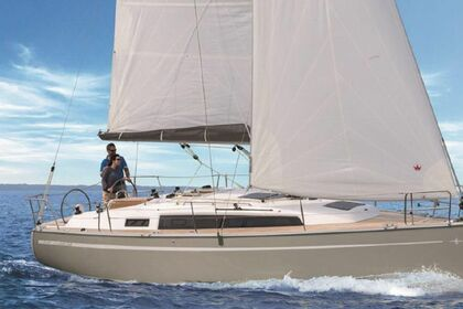 Rental Sailboat BAVARIA 34 CRUISER San Vincenzo