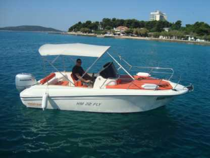 Charter Motorboat Hm 22 Fly Vodice