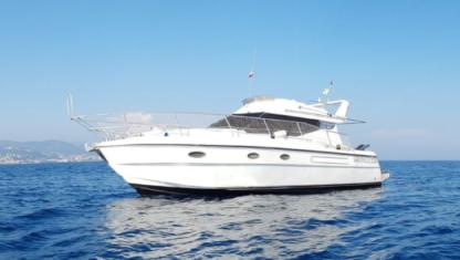 Rental Motorboat Azimut 37 Fly Grimaud