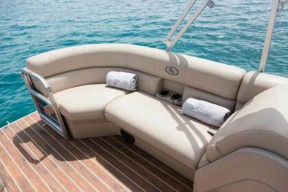 Rental Motorboat Pontoon Coach 25RE Corfu