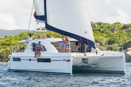 Charter Catamaran Moorings 4000 - 3 cabins Castries