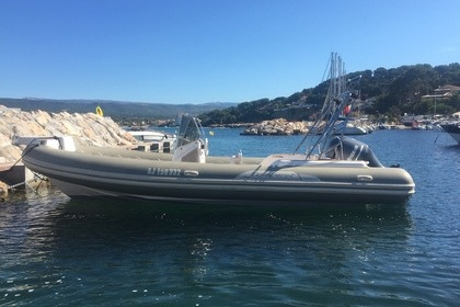 Location Semi-rigide Capelli tempest 770 luxe Saint-Cyr-sur-Mer