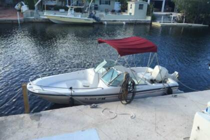 Hire Motorboat Boston Whaler Outrage 18 Boca Raton