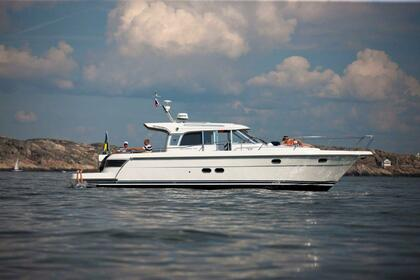 Hire Motorboat Nimbus Nova 43 St-Laurent-du-Var