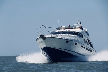 Rental Motorboat FAIRLINE SQUADRON 50 Le Lavandou