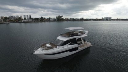 Charter Motorboat Galeon 50 Miami