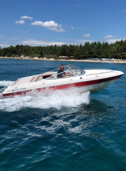 Charter Motorboat Four Winns 192 Horizon Poreč