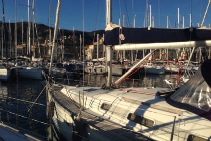 Hire Sailboat Beneteau Oceanis Clipper 331 Varazze