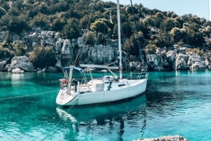 Hire Sailboat Dufour 30 classic Mikrolimano