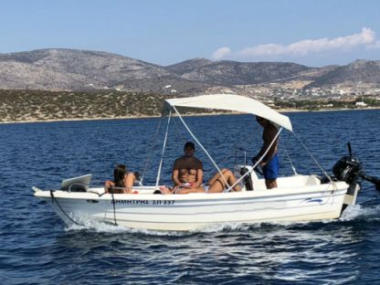 Charter Motorboat Man Open 485 Paros