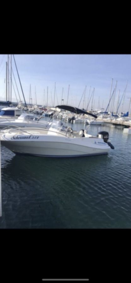 Rental Motorboat Quicksilver 630 Commander Fréjus