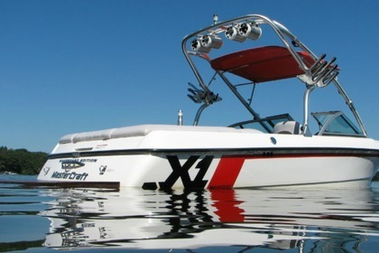Hire Motorboat Mastercraft x1 Powell