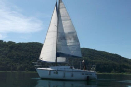 Hire Sailboat DUFOUR 27 Le Bourget-du-Lac