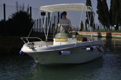 Rental Motorboat SAVER 550 OPEN Jesolo