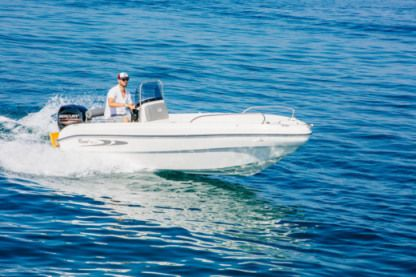 Charter Motorboat Karel 480 Vourvourou