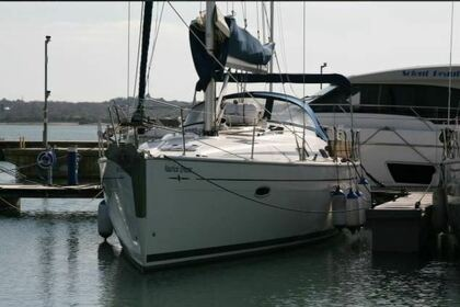Hire Sailboat Bavaria Cruiser 42 Southampton