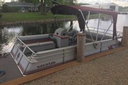 Rental Motorboat Pontoon 20ft fishing pontoon Fremont