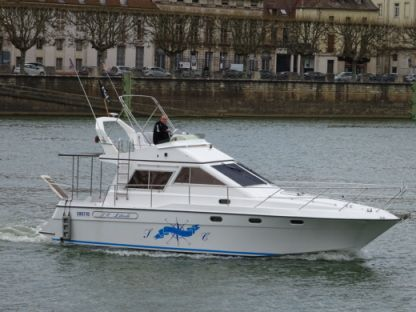 Charter Motorboat Arcoa 1075 Fly Chalon-sur-Saône