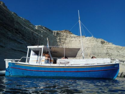 "Charter Motorboat Traditional Wooden ""trechadiri"" Milos"