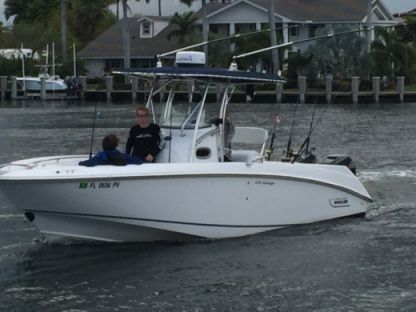 Rental Motorboat Boston Whaler 270 Outrage Miami Beach