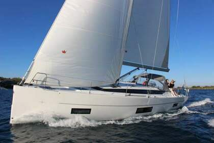 Rental Sailboat Bavaria Bavaria C45 Volos