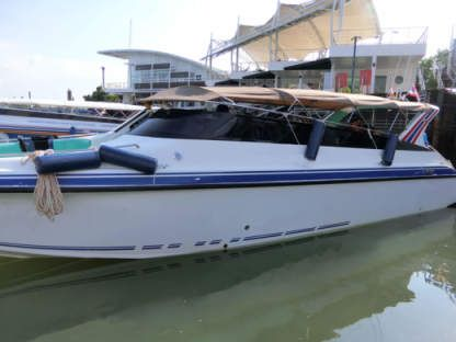 Charter Motorboat Custom Twin Engines 400Hp Phuket