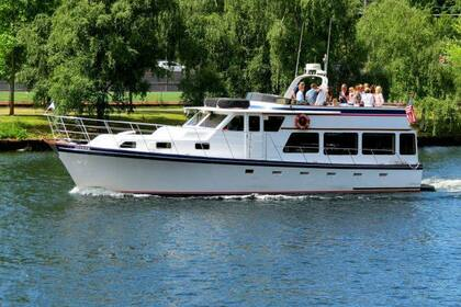 Hire Motorboat Yacht Seeker 50' Seattle