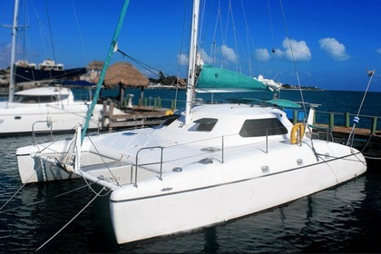 Hire Catamaran Bavaria Wildcat 35 Cancún