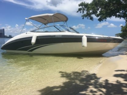 Rental Motorboat Yamaha 24 Miami Beach