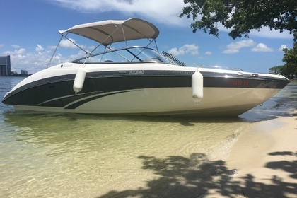 Hire Motorboat YAMAHA 24 Miami Beach