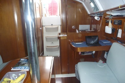 Rental Sailboat BENETEAU OCEANIS CLIPPER 331 Olbia