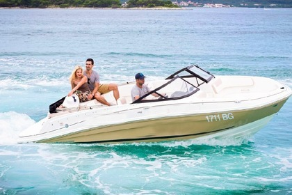 Hire Motorboat Bayliner VR5 / 2020 Model Year Biograd na Moru