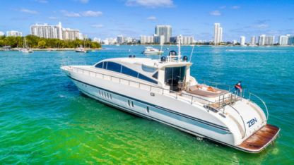 Charter Motorboat Leopard - Robertson & Caine 92 Miami