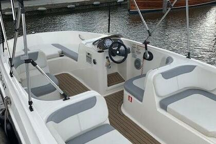 Hire Motorboat Bayliner Element XL Kotor