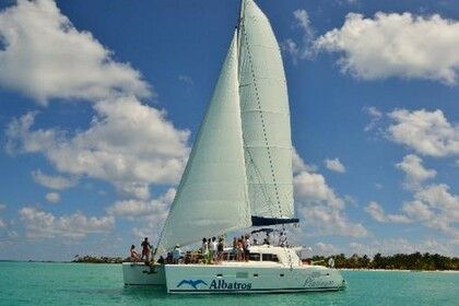 Hire Catamaran Lagoon 500 Cancún